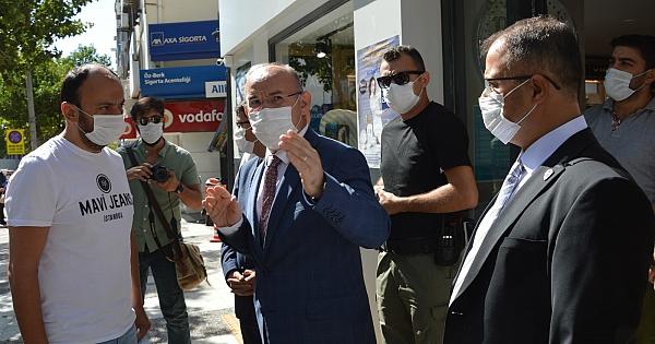 Manisa'da koronavirüs denetimlerine Vali Karadeniz de katıldı